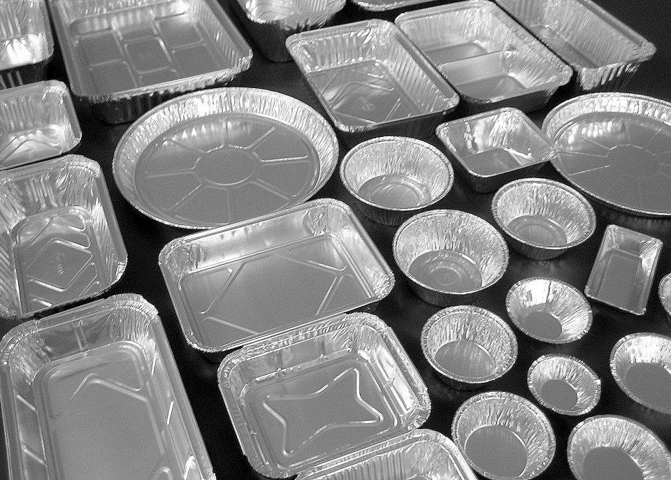 Entenda a praticidade e versatilidade dos descartáveis de alumínio