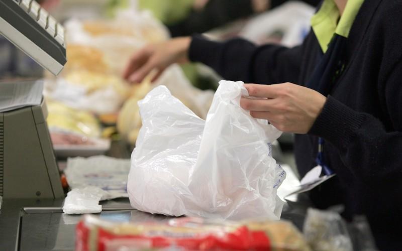 As versáteis sacolas plásticas descartáveis